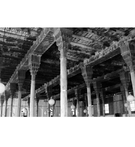 نمادهای عرفانی در تزیینات چوبی مسجد ملارستم مراغه