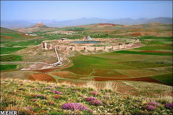 شيز: تحليلي تاريخي و كالبدي؛ و بررسي انطباق مكاني آن با تخت سليمان
